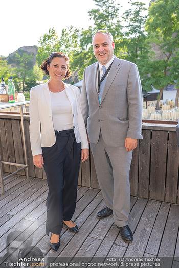 Premiere Turandot - Steinbruch St. Margarethen, Burgenland - Mi 14.07.2021 - Matthias GRÜN mit Ehefrau3