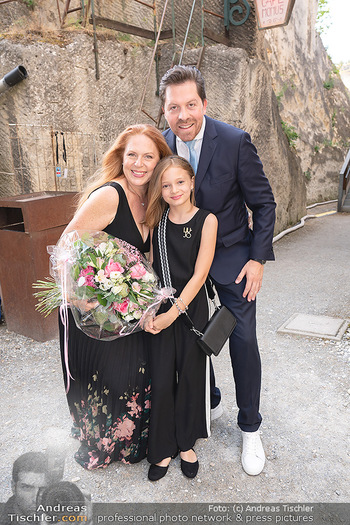 Premiere Turandot - Steinbruch St. Margarethen, Burgenland - Mi 14.07.2021 - Familie Daniel SERAFIN, Martina SERAFIN mit Tochter Elisabeth12