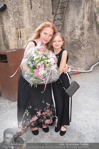 Premiere Turandot - Steinbruch St. Margarethen, Burgenland - Mi 14.07.2021 - Martina SERAFIN mit Tochter Elisabetta15