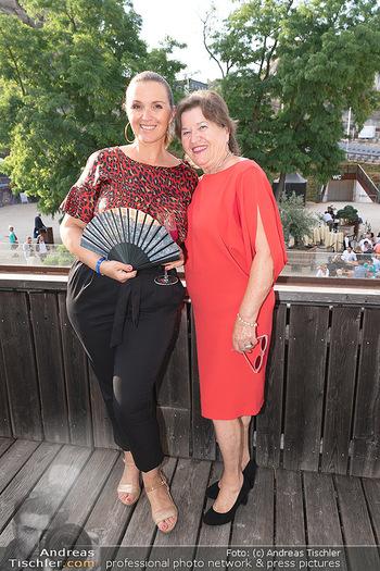 Premiere Turandot - Steinbruch St. Margarethen, Burgenland - Mi 14.07.2021 - Barbara KARLICH mit Mutter Katharina25