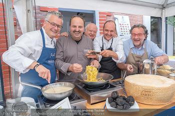 Weinbar Eröffnung - Casa del Vino, Ternitz - Do 15.07.2021 - Johann LAFER mit anderen Köchen (viele Köche)8