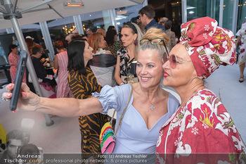 Mode Wien Magazin - Hotel Andaz, Wien - Di 20.07.2021 - Evelyn RILLE, Andrea BUDAY machen Selfie157