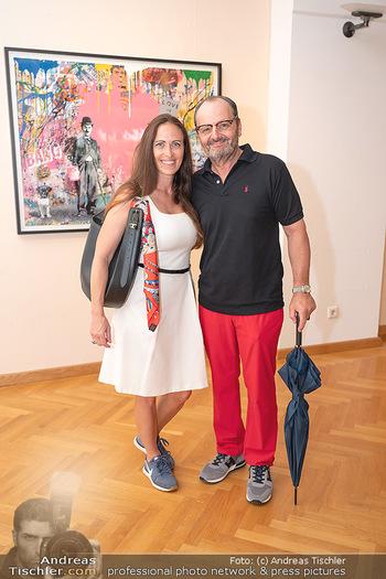 Icons of Pop and Street Art - Villa Bulfon, Velden - Do 22.07.2021 - Burkhard ERNST mit Ehefrau Katharina36