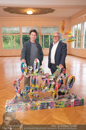Icons of Pop and Street Art - Villa Bulfon, Velden - Do 22.07.2021 - Gerald HARTINGER mit Sohn Julian HEIDRICH (Le Play)74
