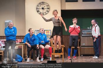 Bühnenfotos Ladies Night - Stadttheater Berndorf - Sa 24.07.2021 - 74