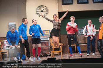 Bühnenfotos Ladies Night - Stadttheater Berndorf - Sa 24.07.2021 - W BRIX, T HÖFNER, R KOLAR, R MORITZ, M BERMOSER, Kristina SPREN76