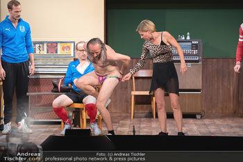 Bühnenfotos Ladies Night - Stadttheater Berndorf - Sa 24.07.2021 - Thomas HÖFNER, Robert KOLAR, Reinhold G. MORITZ, Kristina SPREN88