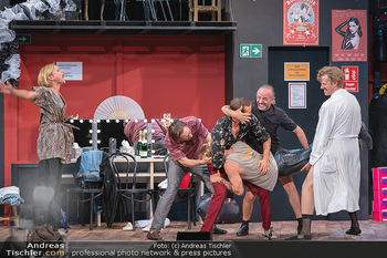 Bühnenfotos Ladies Night - Stadttheater Berndorf - Sa 24.07.2021 - K SPRENGER, R KOLAR, T HÖFNER, R MORITZ, C VON FRIEDL, M BERMOS159