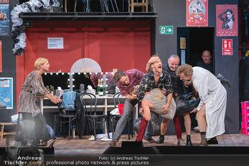 Bühnenfotos Ladies Night - Stadttheater Berndorf - Sa 24.07.2021 - K SPRENGER, R KOLAR, T HÖFNER, R MORITZ, C VON FRIEDL, M BERMOS160
