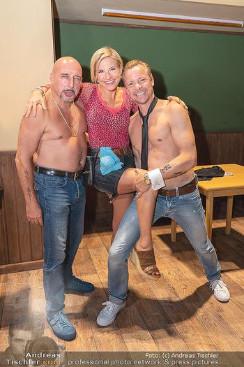 Premiere Ladies Night - Stadttheater Berndorf - Do 05.08.2021 - Kristina SPRENGER, Christoph FÄLBL, Christoph VON FRIEDL10