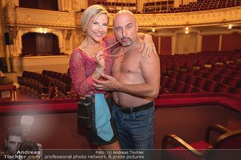 Premiere Ladies Night - Stadttheater Berndorf - Do 05.08.2021 - Kristina SPRENGER, Christoph FÄLBL12