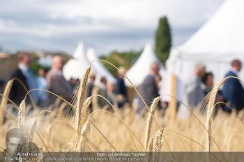 Biofeldtage Tag 1 - Seehof, Donnerskirchen - Fr 06.08.2021 - Getreide, Weizen, Ernte, Besucher der Messe24