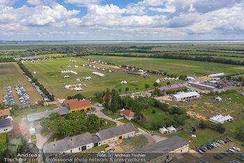 Biofeldtage Tag 1 - Seehof, Donnerskirchen - Fr 06.08.2021 - Übersichtsfoto Luftbild Messegelände von oben, Landschaft, Aus349