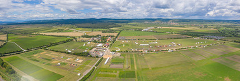 Biofeldtage Tag 1 - Seehof, Donnerskirchen - Fr 06.08.2021 - Übersichtsfoto Luftbild Messegelände von oben, Landschaft, Aus394