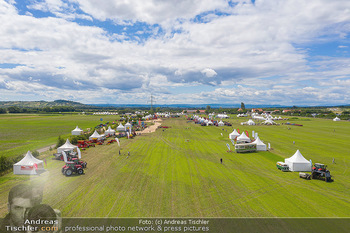 Biofeldtage Tag 1 - Seehof, Donnerskirchen - Fr 06.08.2021 - Übersichtsfoto Luftbild Messegelände von oben, Landschaft, Aus400