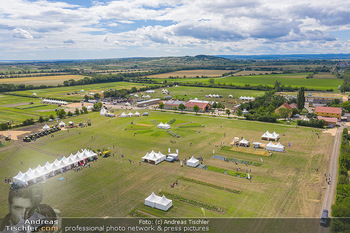 Biofeldtage Tag 1 - Seehof, Donnerskirchen - Fr 06.08.2021 - Übersichtsfoto Luftbild Messegelände von oben, Landschaft, Aus413