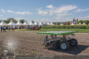 Biofeldtage Tag 2 - Seehof, Donnerskirchen - Sa 07.08.2021 - moderne Landmaschine, Solarantrieb147