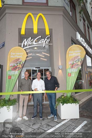 McPlant Präsentation - McDonalds Schwedenplatz - Mo 16.08.2021 - Benedikt BÖCKER, Nikolaus PIZA, Andreas SCHWERLA24