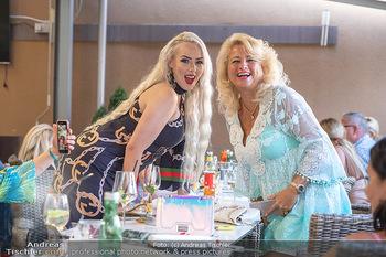 Lugner LoveBoat Casting - Lugner City, Wien - Di 17.08.2021 - Käfer Sonja SCHÖNANGER, Wildsau Lydia KELOVITZ8