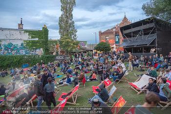 Filmpremiere ´Sargnagel - der Film´ - Arena Wien - Di 17.08.2021 - Festival Stimmung, Liegestühle, Sommerevent, Open-Air11