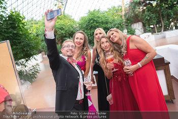 Miss Europe Wahl - Pyramide Vösendorf - Sa 21.08.2021 - Karl BÖTEL Selfie mit Damen24