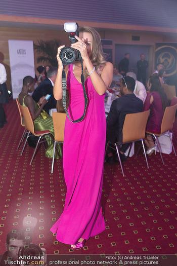 Miss Europe Wahl - Pyramide Vösendorf - Sa 21.08.2021 - Ekaterina MUCHA mit Kamera38