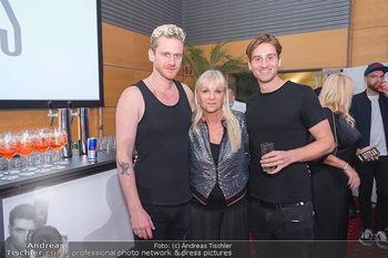 Miss Europe Wahl - Pyramide Vösendorf - Sa 21.08.2021 - Lucas (Lukas) und Florian FENDRICH mit Mutter Andrea276