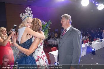 Miss Europe Wahl - Pyramide Vösendorf - Sa 21.08.2021 - Miss Europe Beatrice KÖRMER mit Eltern Christa und Otto KÖRMER285