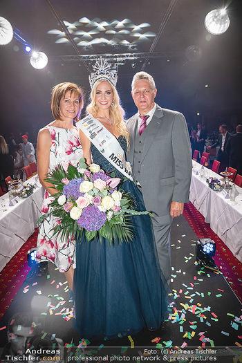 Miss Europe Wahl - Pyramide Vösendorf - Sa 21.08.2021 - Miss Europe Beatrice KÖRMER mit Eltern Christa und Otto KÖRMER286