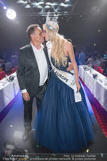 Miss Europe Wahl - Pyramide Vösendorf - Sa 21.08.2021 - Miss Europe Beatrice KÖRMER, Heimo TURIN291