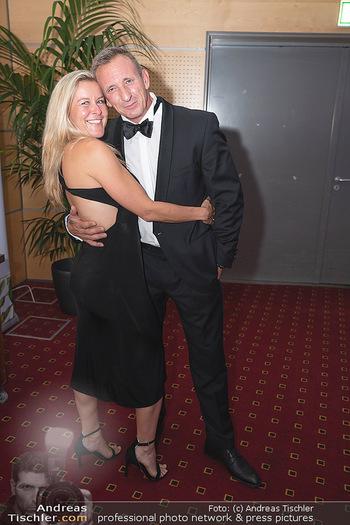 Miss Europe Wahl - Pyramide Vösendorf - Sa 21.08.2021 - James BOND Daniel CRAIG Double Max FRAISL mit Ehefrau294