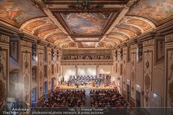 Haydn Gala - Schloss Esterhazy, Eisenstadt - So 22.08.2021 - Haydnsaal mit Publikum von oben1