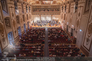 Haydn Gala - Schloss Esterhazy, Eisenstadt - So 22.08.2021 - Haydnsaal mit Publikum von oben56