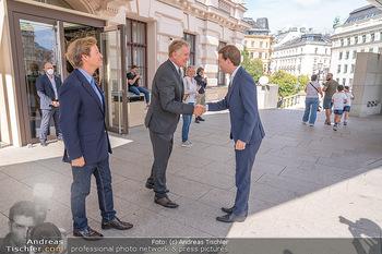 Sebastian Kurz Privatführung - Albertina, Wien - Mo 23.08.2021 - Trevor Dow TRAINA, Klaus Albrecht SCHRÖDER, Sebastian KURZ15