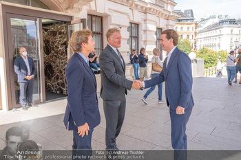 Sebastian Kurz Privatführung - Albertina, Wien - Mo 23.08.2021 - Trevor Dow TRAINA, Klaus Albrecht SCHRÖDER, Sebastian KURZ16