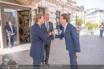 Sebastian Kurz Privatführung - Albertina, Wien - Mo 23.08.2021 - Trevor Dow TRAINA, Klaus Albrecht SCHRÖDER, Sebastian KURZ17