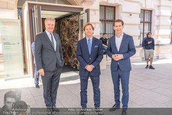 Sebastian Kurz Privatführung - Albertina, Wien - Mo 23.08.2021 - Trevor Dow TRAINA, Klaus Albrecht SCHRÖDER, Sebastian KURZ23