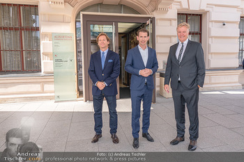 Sebastian Kurz Privatführung - Albertina, Wien - Mo 23.08.2021 - Trevor Dow TRAINA, Klaus Albrecht SCHRÖDER, Sebastian KURZ27