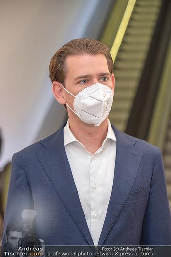Sebastian Kurz Privatführung - Albertina, Wien - Mo 23.08.2021 - Sebastian KURZ mit Corona Maske31