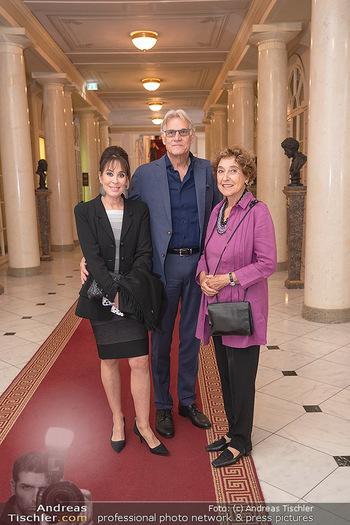 Ausstellungseröffnung american photography - Albertina, Wien - Mo 23.08.2021 - Cathrine ADLER, Helmut KOLLER, Helene VON DAMM3