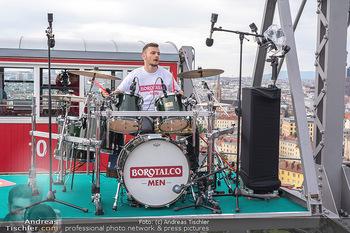 Borotalco Weltrekord - Riesenrad, Wien - Do 26.08.2021 - Drummer Erich BLIE auf der Plattform am Riesenrad, Blick über W41