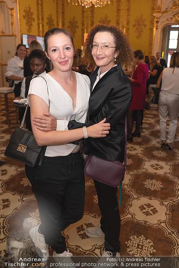 20 Jahre Woman - Palais Coburg - Do 26.08.2021 - Konstanze BREITEBNER mit Tochter Laura MAZZUCHELLI138
