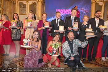 20 Jahre Woman - Palais Coburg - Do 26.08.2021 - Mitarbeiter mit Geburtstagstorten199
