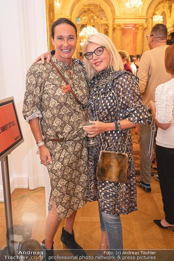 20 Jahre Woman - Palais Coburg - Do 26.08.2021 - Sabine BAAR-BAARENFELS, Liane SEITZ248