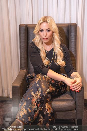 Interview mit LaFee - Radisson Blue Hotel - Di 31.08.2021 - LaFee (Christina KLEIN) (Portrait)5