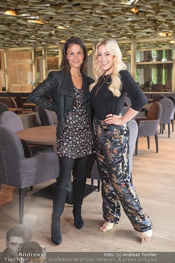 Interview mit LaFee - Radisson Blue Hotel - Di 31.08.2021 - LaFee (Christina KLEIN) interviewt von Romina COLERUS13