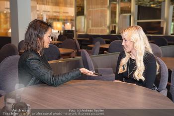 Interview mit LaFee - Radisson Blue Hotel - Di 31.08.2021 - LaFee (Christina KLEIN) interviewt von Romina COLERUS15