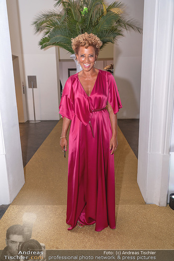 Duftstars Awards Gala - MQ Halle E, Wien - Do 02.09.2021 - Arabella KIESBAUER3
