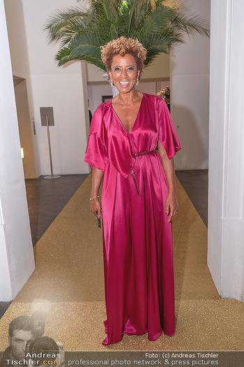 Duftstars Awards Gala - MQ Halle E, Wien - Do 02.09.2021 - Arabella KIESBAUER4