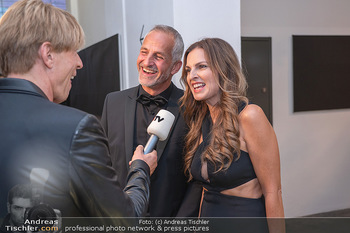 Duftstars Awards Gala - MQ Halle E, Wien - Do 02.09.2021 - Bettina ASSINGER mit Ehemann Achim WENINGER50